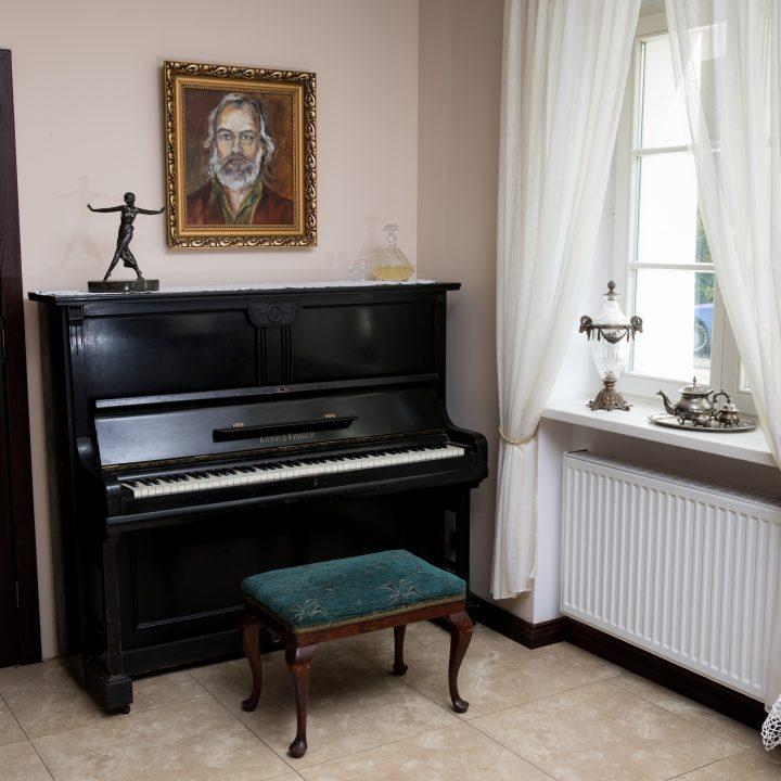 pianino dwor debogora